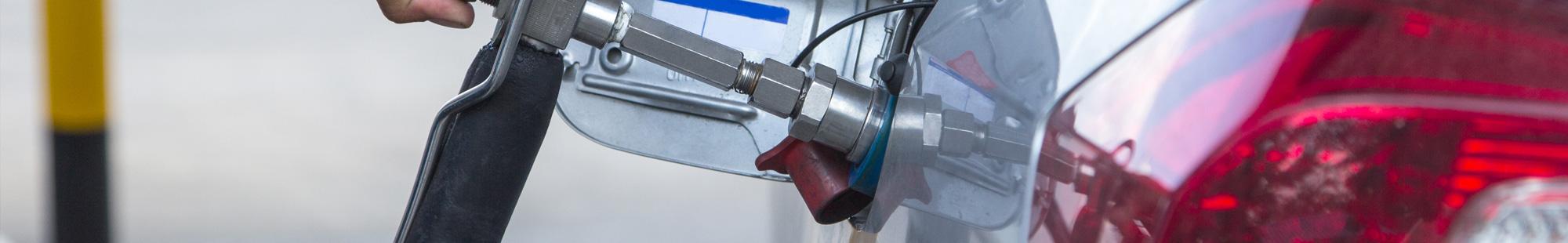 wlew paliwa w aucie